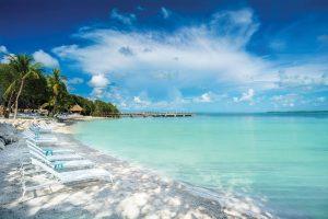Baker's Cay Beach. Images courtesy of Baker's Cay